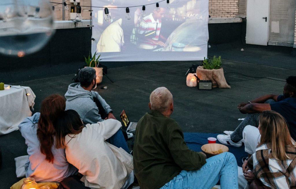 Sommerkino auf dem Dach mit Filmpodcasts von podcast.de