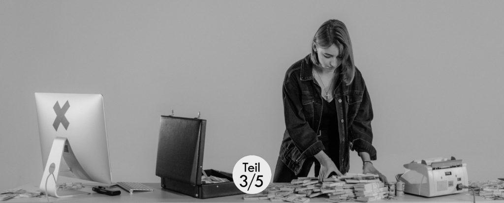 5 Möglichkeiten, Deinen Podcast zu monetarisieren, Teil 3 von 5: Ein eigenes Produkt verkaufen.