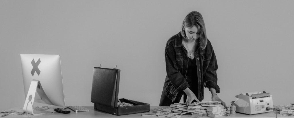 5 Möglichkeiten, Deinen Podcast zu monetarisieren: Der komplette Beitrag
